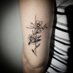Artes - Tatuagem cruz  - Tatuagem cruz