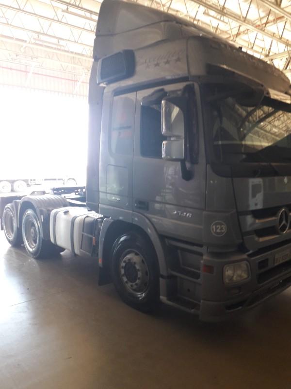 mb-2546-cavalo-6x2-ano-2012