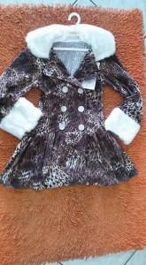 Bebês e Crianças - Casaco Infantil Gola e punho de pele Santa Terezinha - Casaco Infantil Gola e punho de pele Santa Terezinha