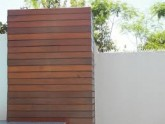 Para sua casa - Fachada em Madeira Deck Com Letras Caixa - Fachada em Madeira Deck Com Letras Caixa