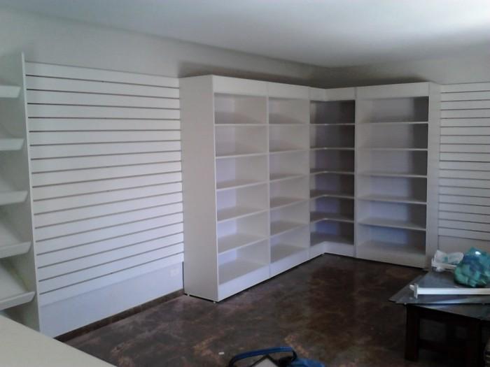 Armários em madeira para lojas e closets  Piracicaba  Monta Loja Móveis e A -> Armario Para Banheiro Lojas Solar