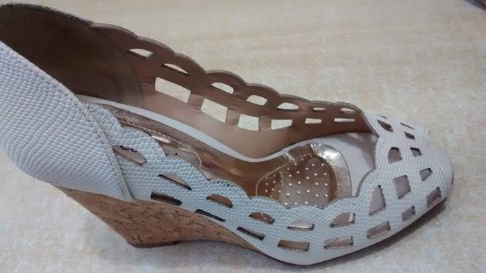 78306307bd Chinelaria Mais Ponta Chinelos Sapatos Bolsas ponta de Estoque Santa  Terezinha em Piracicaba