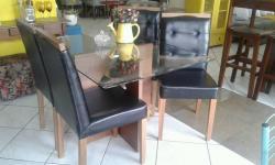 Mesa de Jantar, Sala de Jantar, quadrada, 4 lugares, tampo de vidro, cadeiras estofadas