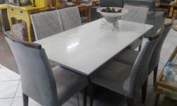 Mesa de jantar, Sala de jantar, Laqueada, Cadeiras estofadas