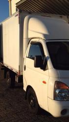 Caminhão com Baú para transportes rápidos e mudanças (consulte nossos preços)