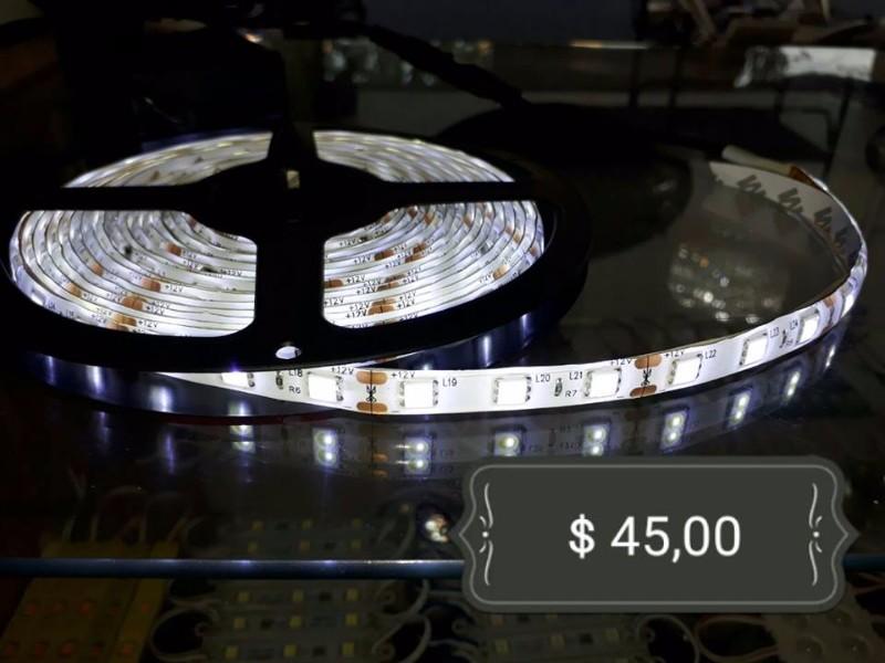 fita-de-led-branco-frio-5mtsl-50x50-R$ 45,00